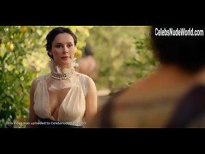 Dayne naked bella Troy co